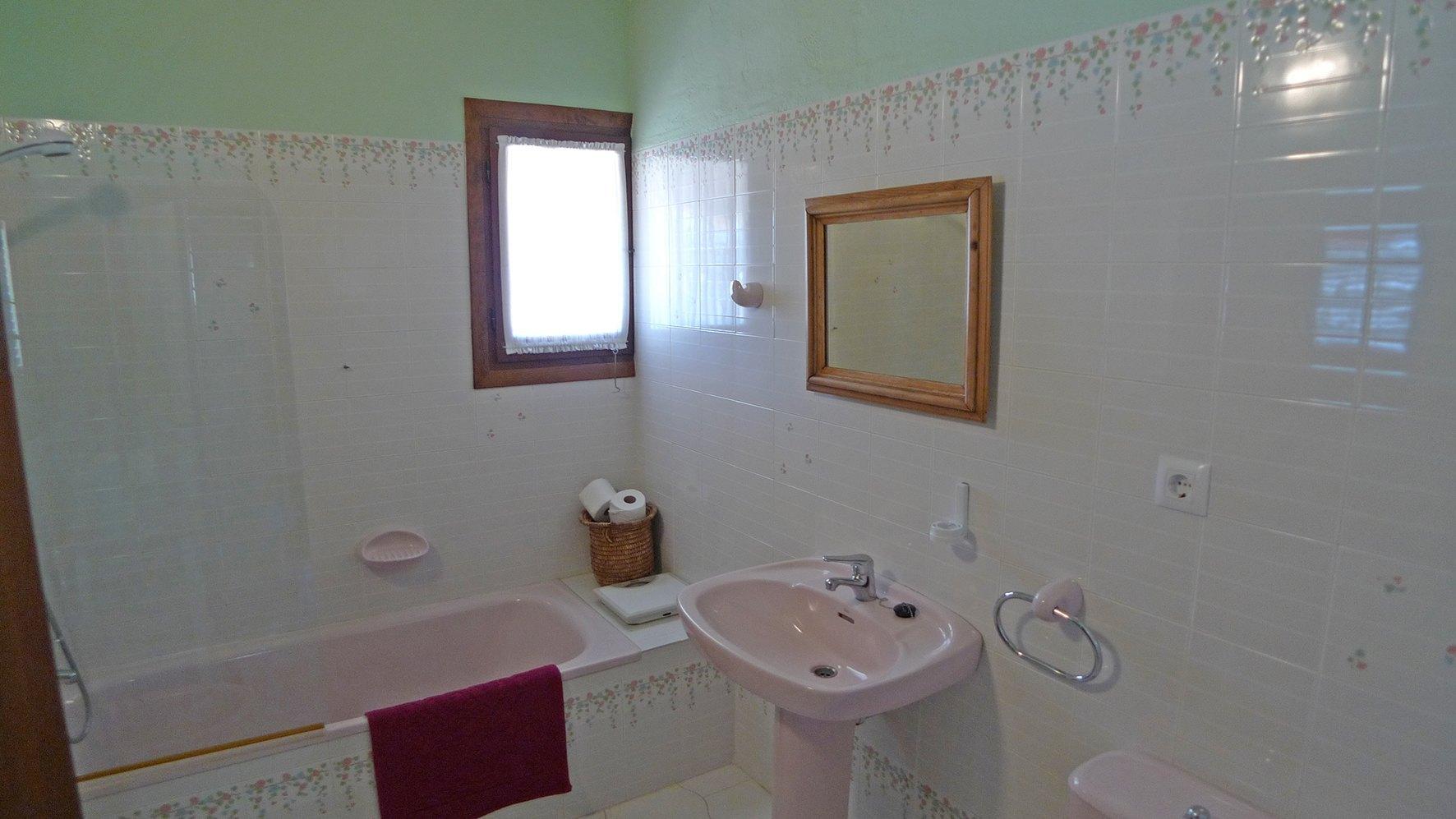 apartamentosdenialowcost-propiedades_5b76a4c92579f-source.jpg