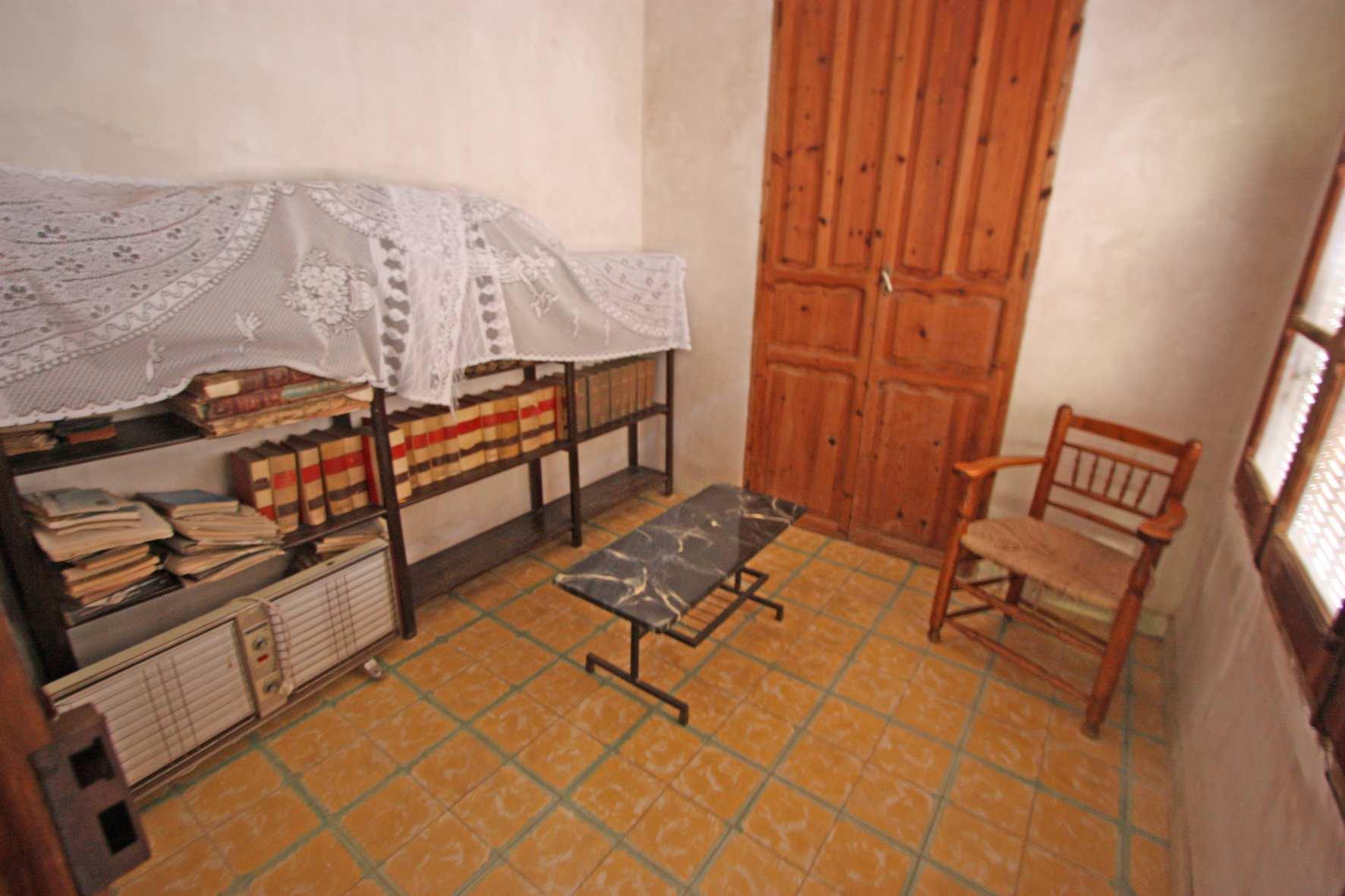 Village house in Murla