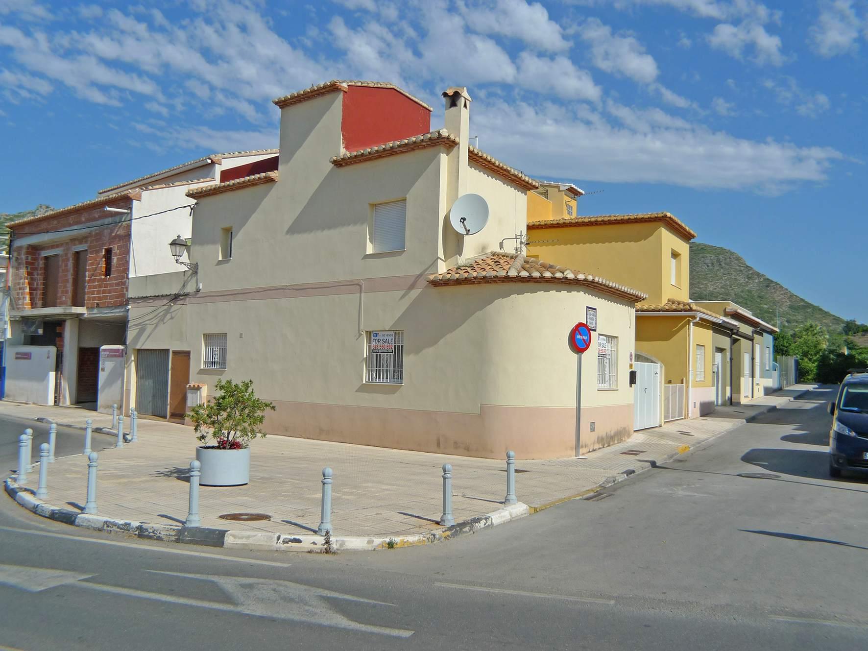 Village house in Rafol de almunia