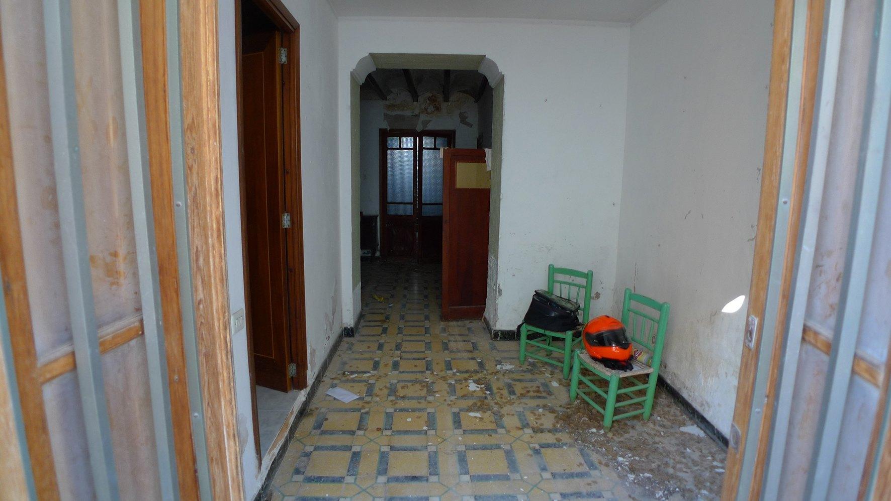 Village house in Tormos
