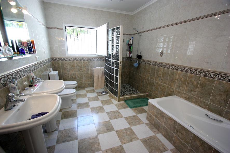 Villa in Orba