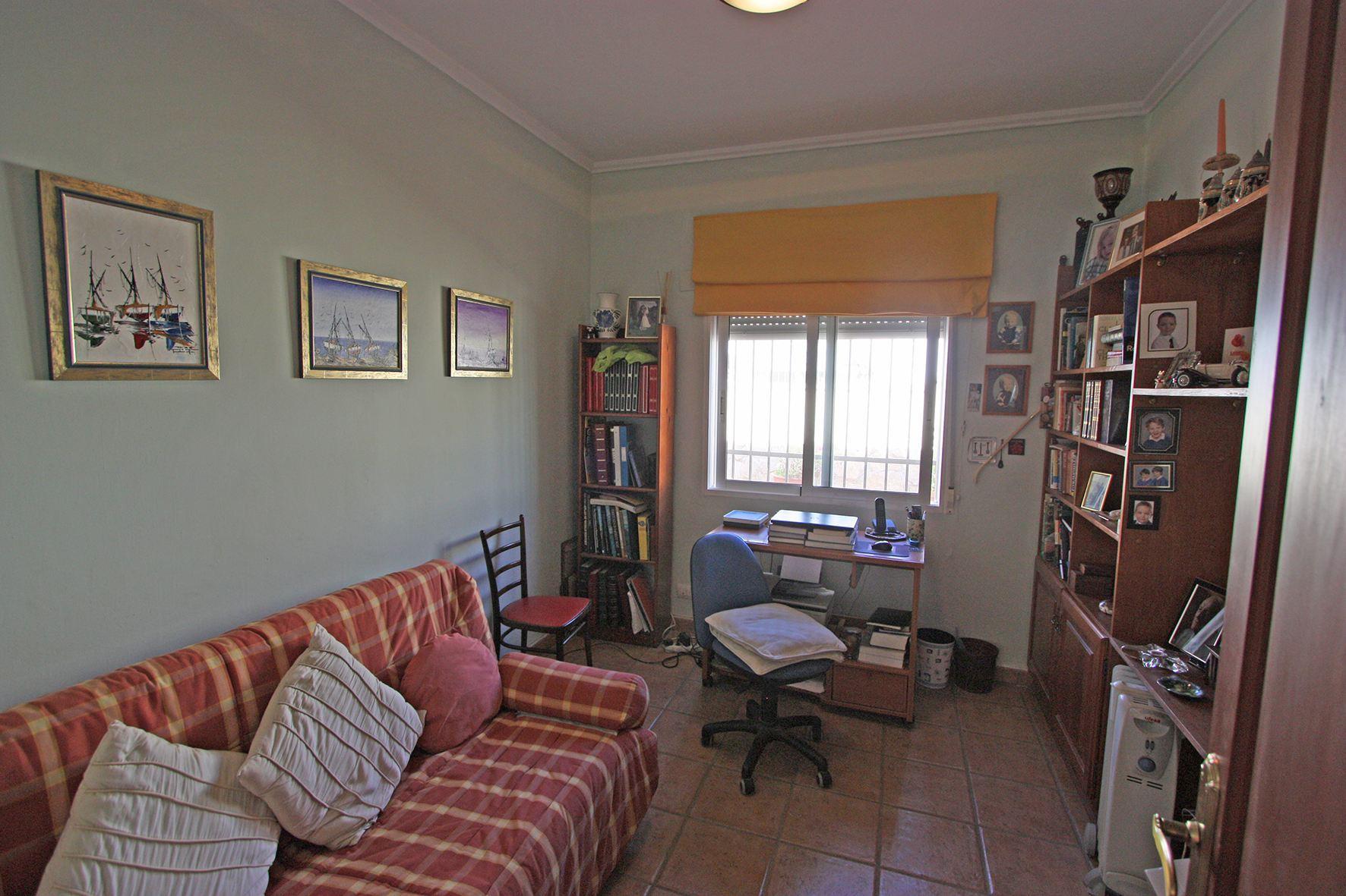 apartamentosdenialowcost-propiedades_60d5bc68591c9-source.jpg