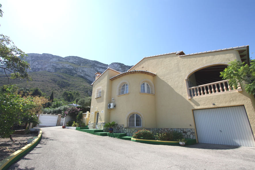 Villa in Denia Montgo