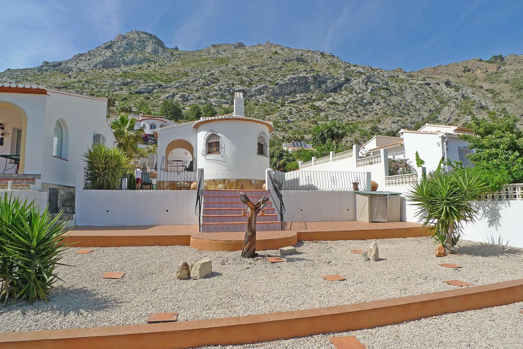 Villa in Benichembla